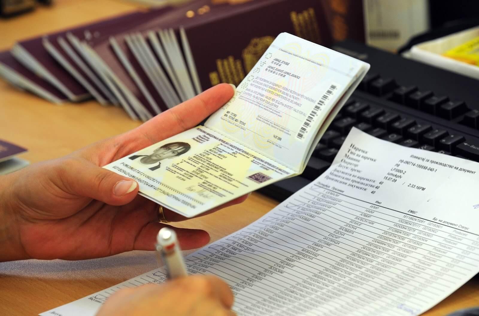 Để có thể chuẩn bị hoàn chỉnh hồ sơ xin visa Mỹ, vui lòng liên hệ 028 39 20 24 26 – 0916 08 68 98.