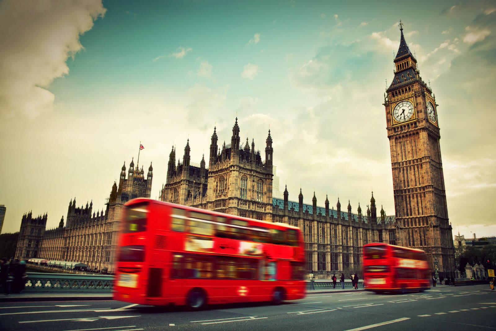 Du lịch Anh nên mua gì làm quà?
