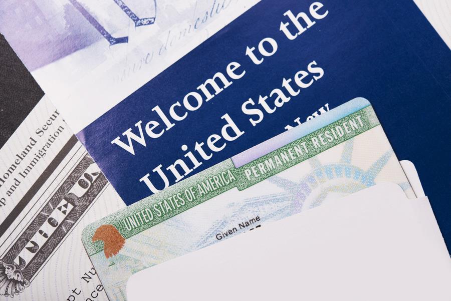 Hồ sơ visa Mỹ thăm thân cần những gì?
